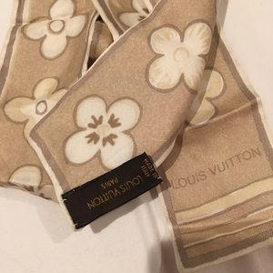Louis Vuitton Accessories - 100% authentic Louis Vuitton Skinny Scarf